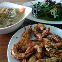 Photo taken at Nusantaraku resto & cafe by Ary Indah P. on 3/24/2012