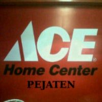 Photo taken at ACE Hardware by Irfan A. on 8/14/2012