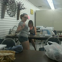 Photo taken at Beverly's Fabric & Crafts by Cindy L. on 7/31/2012