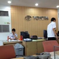 Photo taken at TOYOTA วรจักรยนต์ by Chawin C. on 5/28/2012