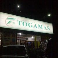 Photo taken at Toko Buku Togamas by Hendra C. on 7/24/2012