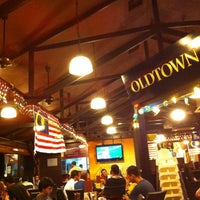 Photo taken at OldTown White Coffee by Welfred Suto on 8/31/2012