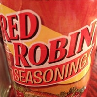 Photo taken at Red Robin Gourmet Burgers by Howie W. on 7/26/2012