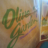 Photo taken at Olive Garden by Rossy C. on 6/13/2012
