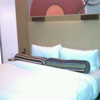 Photo taken at Aloft Tempe by Webster88 on 2/15/2012