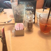 Photo taken at Ruby Tuesday by Tyi D. on 5/30/2012