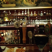 Photo taken at Pied Piper Bar & Grill by Alma A. on 7/9/2012