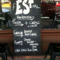 Photo taken at Est Pizzeria by Alister R. on 3/1/2012