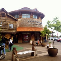 Photo taken at Woodburn Premium Outlets by Kate K. on 4/25/2012