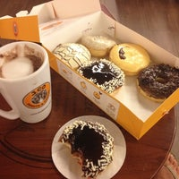 Photo taken at J.Co Donuts & Coffee by Daley D. on 3/19/2012
