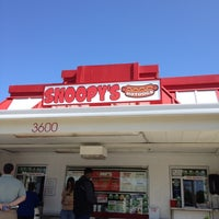 Photo taken at Snoopy's Hot Dogs & More by Gabriel B. on 6/16/2012
