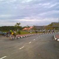Photo taken at Sekolah Kebangsaan Taman Desaminium Seri Kembangan Selangor by اذهر اهمد نسڤو on 3/8/2012