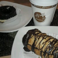 Photo taken at Ava Roasteriá Coffee Co. by Chiemi N. on 7/27/2012