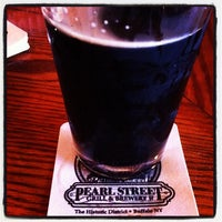 Photo taken at Pearl Street Grill & Brewery by JP S. on 6/22/2012