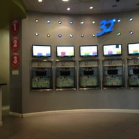 Photo taken at 32 Degrees Froyo Lounge by nicola m. on 5/10/2012