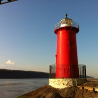 Photo taken at Little Red Lighthouse by Darren G. on 3/19/2012