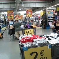 Photo taken at Decathlon by António Alberto S. on 6/22/2012