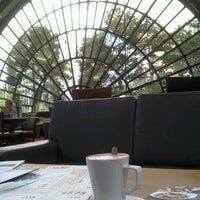 Photo taken at The Imperial (Wetherspoon) by Grace V. on 9/2/2012