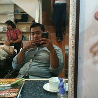 Photo taken at Style 21 Salon & Spa by Raden Mas S. on 5/17/2012
