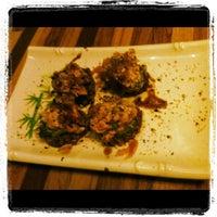 Foto tirada no(a) Hashi Sushi Bar por Stella A. em 4/25/2012