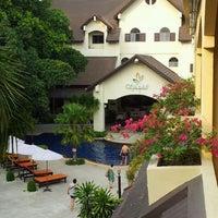 Photo taken at Splendid resort by yuwanit s. on 3/30/2012