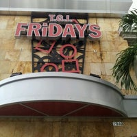 Photo taken at TGI Fridays by Heartz T. on 8/11/2012