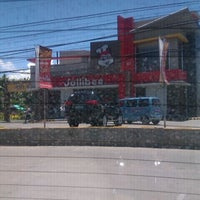Photo taken at Jollibee by Dads S. on 4/28/2012