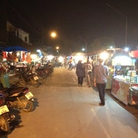 Photo taken at ตลาดโต้รุ่ง @สตูล by Secondary T. on 7/12/2012