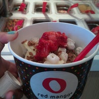 Photo taken at Red Mango by Melissa Lyn Y. on 8/21/2012