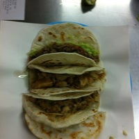 Photo taken at Tacos Mode by Guicho R. on 4/11/2012