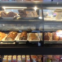 Photo taken at Starbucks by Rin R. on 7/16/2012