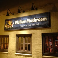 Photo taken at Mellow Mushroom by Raymond F. on 4/9/2012