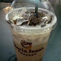 Photo taken at Gloria Jeans Coffees Bukit Bintang Plaza (GJC BB Plaza) by Juanna S. on 3/23/2012