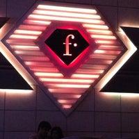 Foto tirada no(a) F Bar & Lounge por TUCHA em 5/19/2012