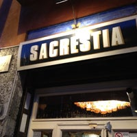 Photo taken at Sacrestia - Farmacia Alcolica by Vivi G. on 4/17/2012