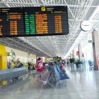 Photo taken at Aeropuerto de Fuerteventura (FUE) by Emilio R. on 8/29/2012