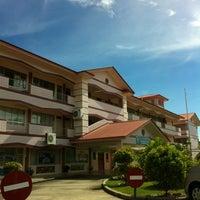 Photo taken at Sekolah Rendah Katok 'A' by KD RenZ A. on 4/23/2012