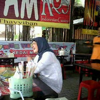Photo taken at Mie Ayam KQ5 by imelda S. on 5/28/2012