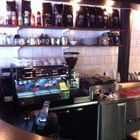Photo taken at Noir Kaffekultur by Roberto D. on 2/12/2012