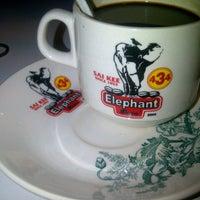 Photo taken at Elephant Bean Cafe by ΛLFI ИΛSHЯI♂ on 8/19/2012