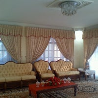 Photo taken at Parit kuari,Parit Raja Batu Pahat by Mastura J. on 8/19/2012