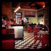 Photo taken at Eddie Fine Burgers by Mariana B. on 7/12/2012