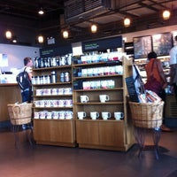 Photo taken at Starbucks by kaeruco on 7/3/2012