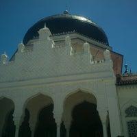 Photo taken at Masjid Raya Baiturrahman by muhammad ikhsan f. on 6/29/2012
