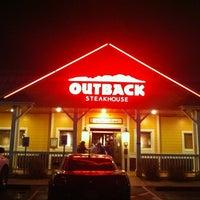 Photo taken at Outback Steakhouse by Eduardo A. on 2/5/2012