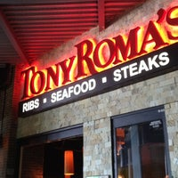 Photo taken at Tony Roma's Ribs, Seafood, & Steaks by Carlos M. on 2/20/2012
