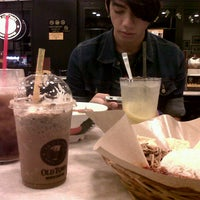 Photo taken at OldTown White Coffee by Kimmie A. on 8/13/2012