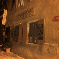 Photo taken at Shakespeare & Sons by Carlos Daniel B. on 2/7/2012