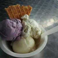 Photo taken at Jeni's Splendid Ice Creams by Patsy T. on 5/13/2012