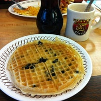 Photo taken at Waffle House by Alyssa on 8/11/2012
